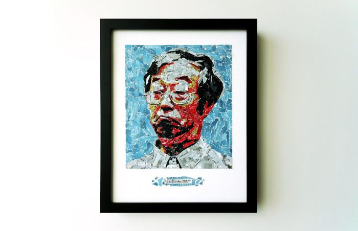 Nakamoto by cryptograffiti Credit cards, adhesive on wood (2014) (Photo Credit: cryptograffiti)